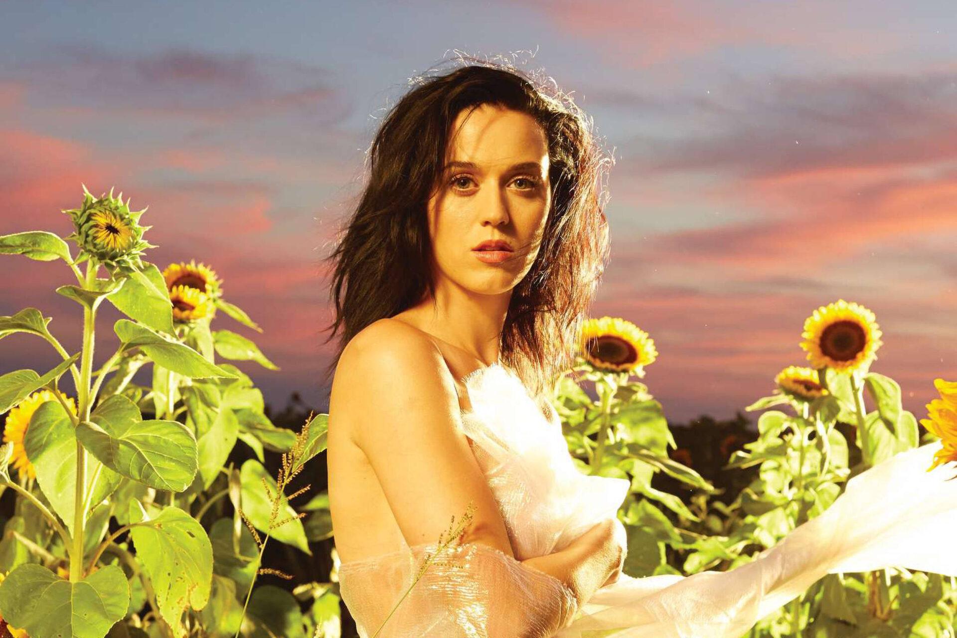 Album 'Prism' của Katy Perry cho thấy một góc nhìn màu sắc về tình yêu