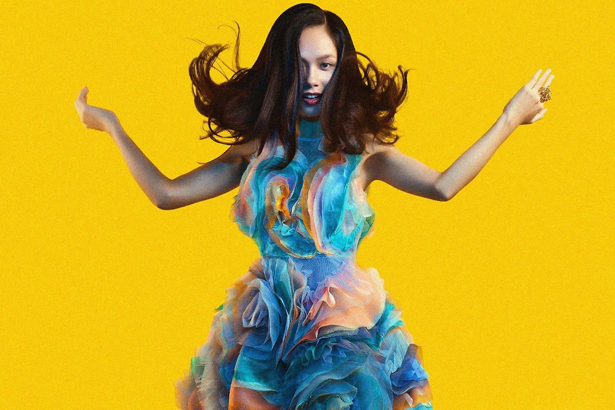 Review album Cửa Thơm Mùi Nắng của Hoàng Quyên