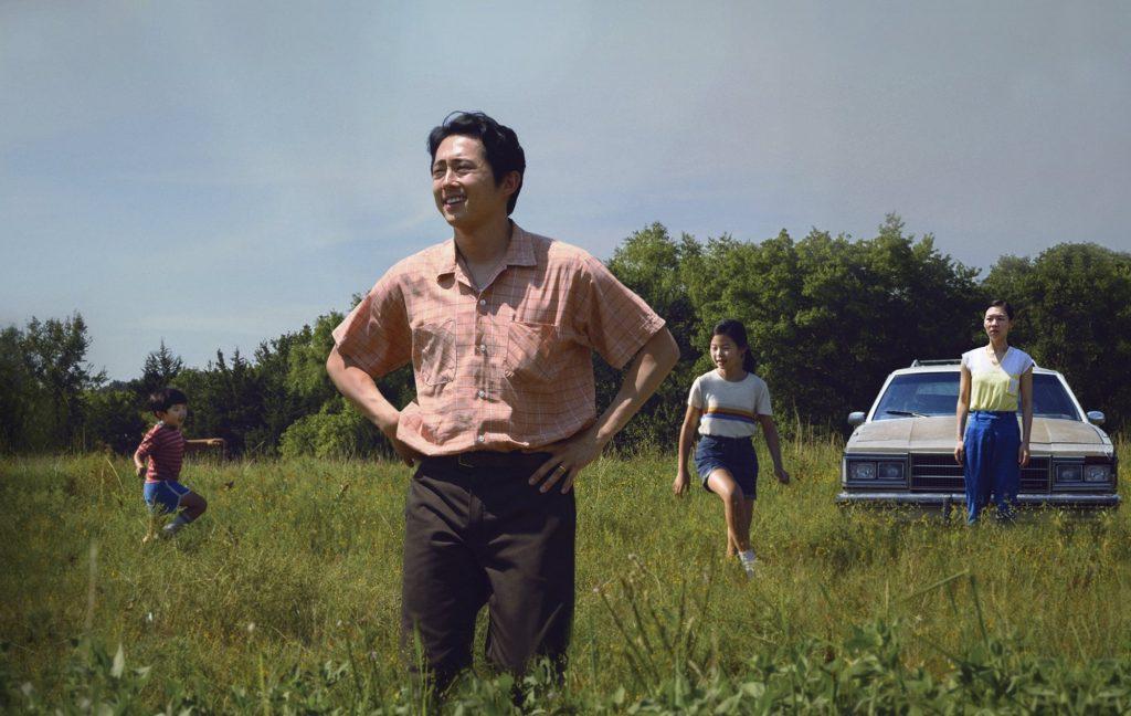 Minari là câu chuyện về một gia đình Hàn Quốc nhập cư tới Mỹ vào thập niên 1980. Ảnh: A24.