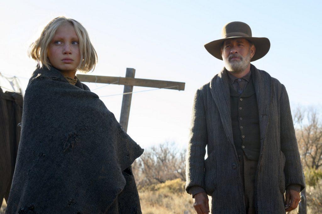 Tom Hanks có một vai diễn thử thách, nhưng Helena Zengel hoàn toàn không hề lép vế khi đứng cạnh ông.