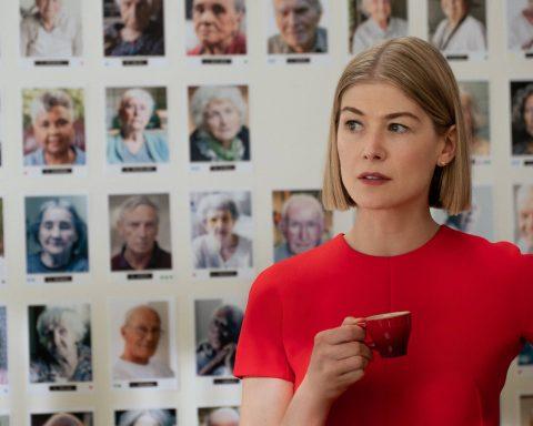 'I Care A Lot', vai diễn ác nhân và mãnh lực đồng tiền