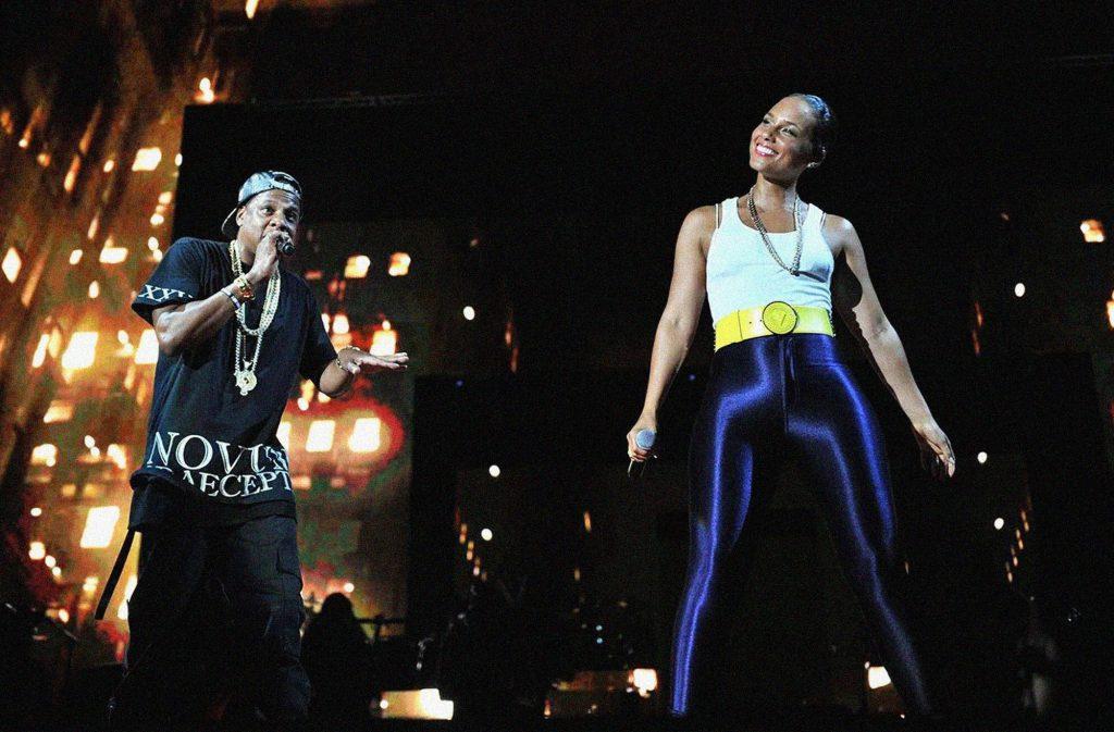 Alicia Keys máu lửa cùng Jay-Z trên sân khấu.